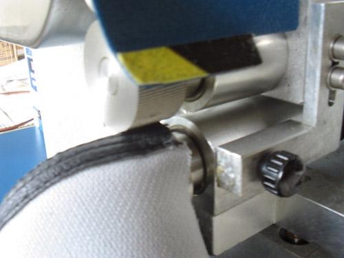 Aplicación de pegamento a base de agua con rodillos