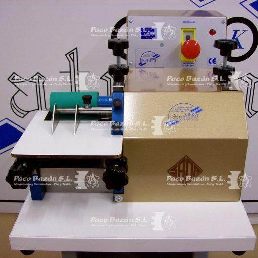 Excelente máquina para pegar con adhesivo base agua