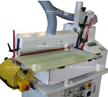 excelente máquina para aplanar y pegar a la venta solo en Paco Bazán