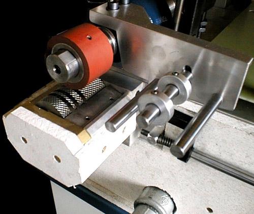 rodillo para aplicar pegamento termofusible en materiales gruesos