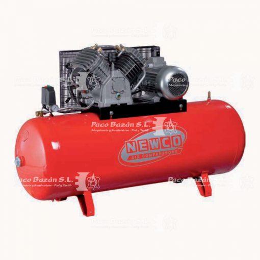 Compresor de piston de alta capacidad para industria textil, disponible en Paco Bazán.
