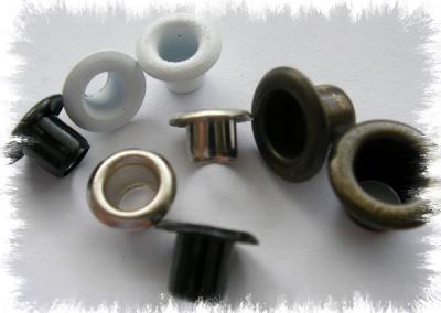 ojales autoperforantes de distintos materiales