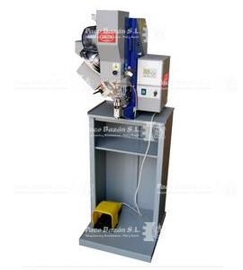 Sagitta Modelo MR21-RE maquina para colocar remaches y botones