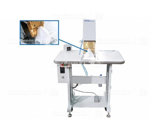 Excelente máquina manual para colocar clip nasal en mascarillas